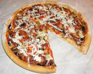pizza, pizza de casa, retete pizza, reteta pizza, pizza italiana, pizza cu de toate, pizza de casa cu blat subtire si pufos, pizza de casa simpla, pizza reteta, retete culinare, retete, retete de mancare, gustari, pizzreii, pizzerie, retete pizzerie, retete patiserie, pizza de casa reteta, food, #pizza, pizza preparatedevis,