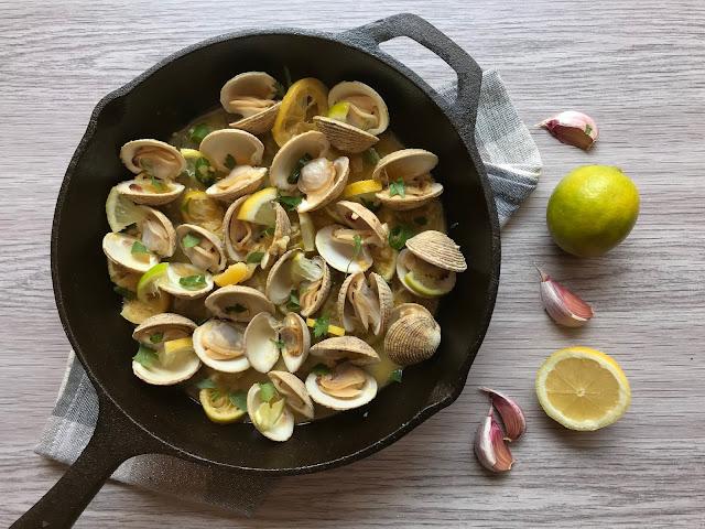 moelos o escupiñas picantes con  limón y lima receta