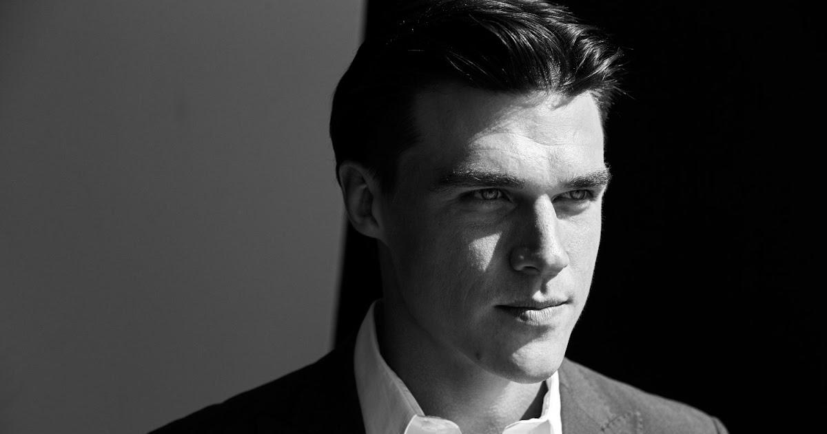 Finn wittrock noticias de espect culos de chismes for Chismes de espectaculos