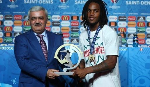 Antoine Griezmann, C.Ronaldo & Renato Sanches win the awards at Euro 2016 (Full List)