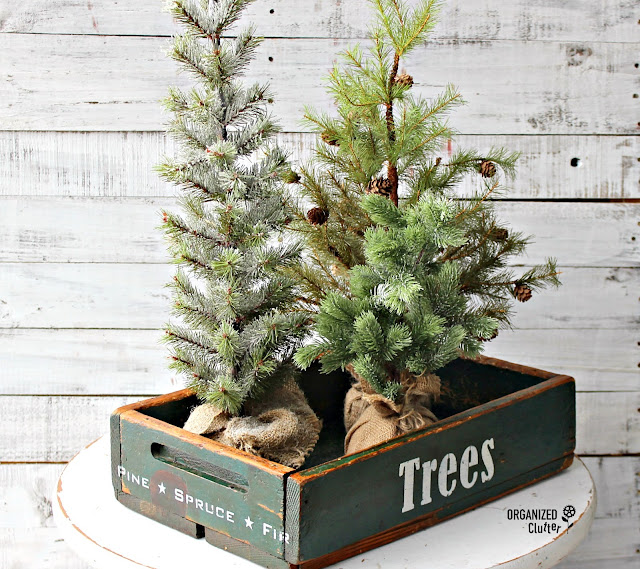 New Christmas Trees Stencil From Old Sign Stencils #Oldsignstencils #stencil  #upcycle #garagesalefind #RusticChristmas  #Christmastree