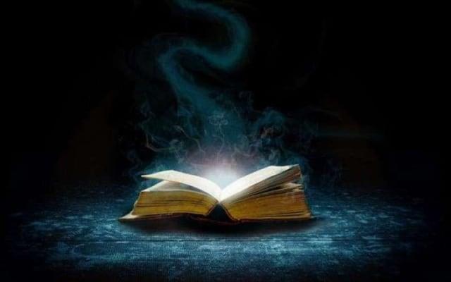 Menguak Misteri Kitab Sihir Paling Terkenal di Dunia