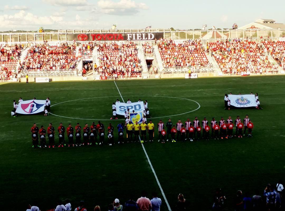 Rojinegros del Atlas vencieron al campeón Guadalajara 2-0.