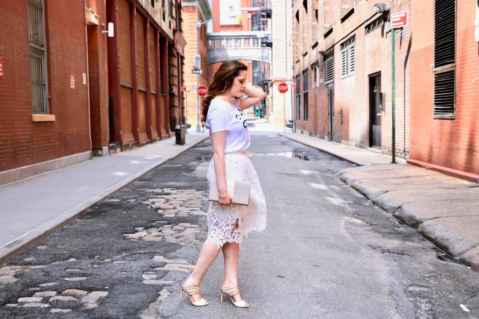 nyc fashion blogger Kathleen Harper wearing an all white outfit