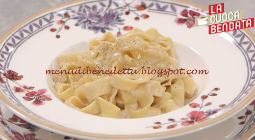 La Cuoca Bendata - Tagliatelle alla verdi ricetta Parodi