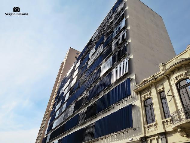 Perspectiva inferior da fachada do edifício da Fundação Casa - Luz - São Paulo