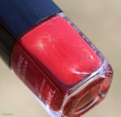 Chanel Ecorce Sanguine и Rouge Essentiel