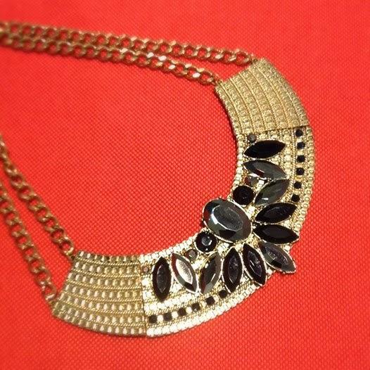 Primark online: collar dorado
