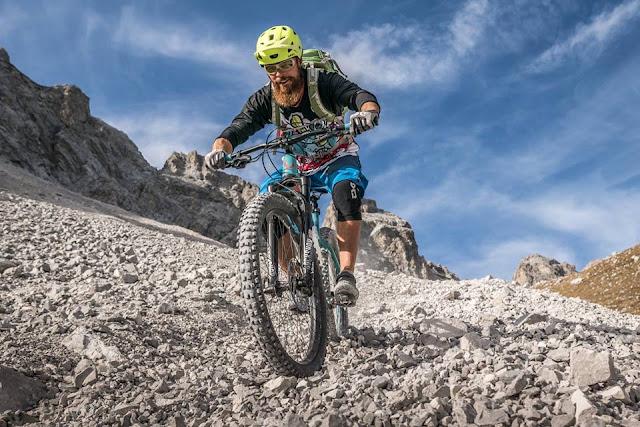 Schotter surfen mit dem Mountainbike