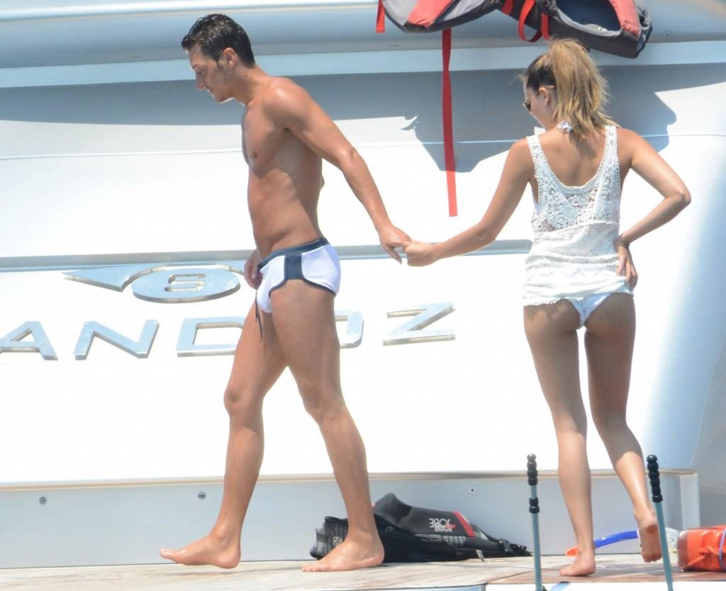 Tits Mesut Ozil Nude Pic