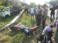 Kecelakaan Lalu Lintas Melibatkan Mobil Pick Up Dan Sepeda Motor di Sambit