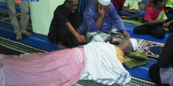 Imam Masjid Ini Meninggal Dunia Ketika Sedang Mengimami Sholat Jenazah