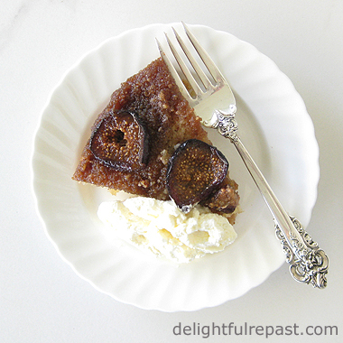 Fig Upside-Down Cake / www.delightfulrepast.com