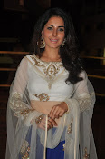 isha talwar latest glam pics-thumbnail-17