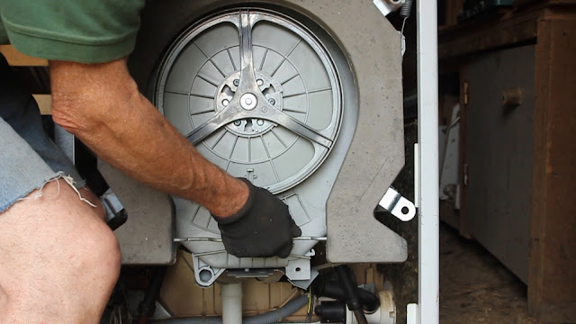 Remove concrete - Convert a broken washing machine to Pedal Power