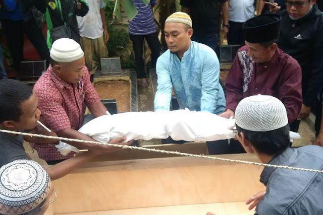 """Perampokan dan Pembunuhan Menghantui Sopir Taksi """"Online"""" di Palembang"""
