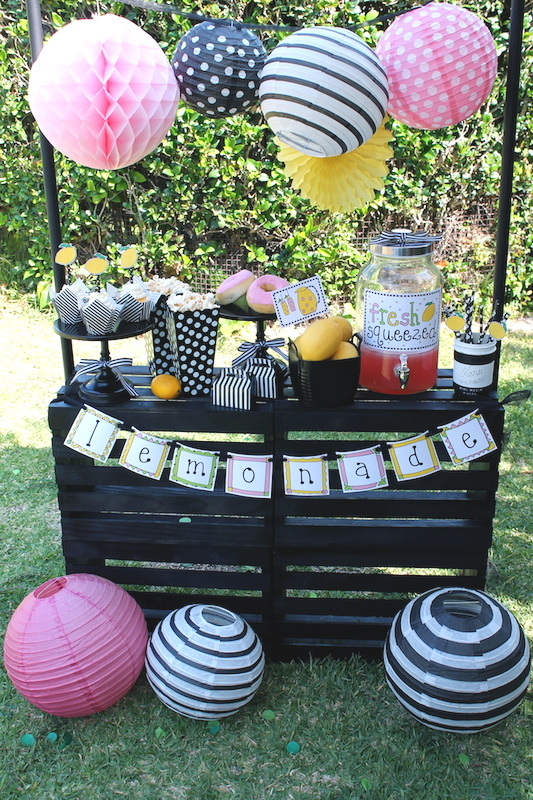 Easy Lemonade Stand Ideas| Summer Fun - LAURA'S little PARTY