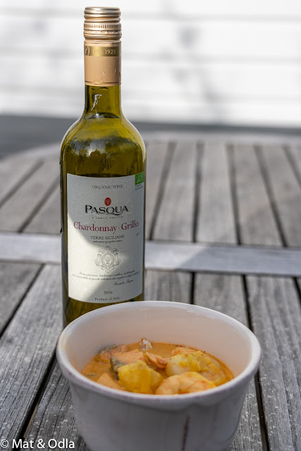 Vitt fruktigt ekologiskt vin - Pasqua Chardonnay Grillo