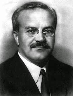 Vjačeslav Michajlovič Molotov, ritratto.