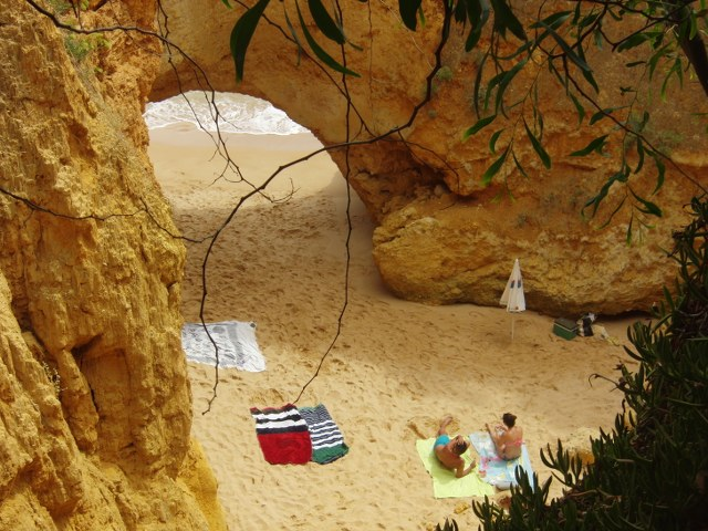 Praia ponta pequena algarve secreta curiosa