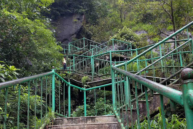 Steps laid-down to the base of the jogfalls