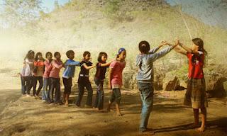 serta menanggapi berbagai jenis wacana lisan tentang bahasan kesehatan dan kebersihan geveducation:  RPP Bahasa Sunda SD Kelas 3 Semester 2 Materi Kakawihan Oray-orayan