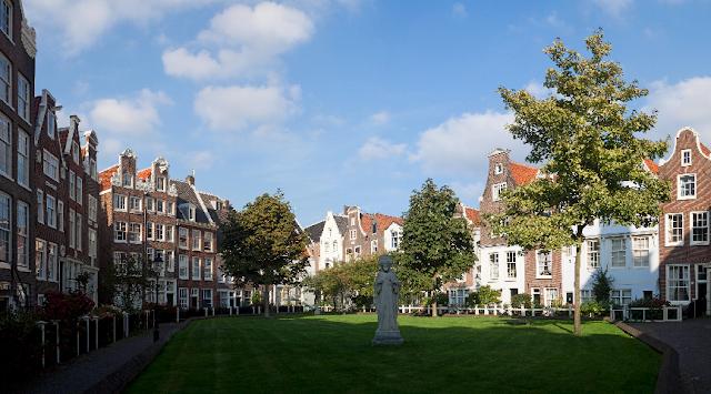 Jardins Begijnhof em Amsterdã