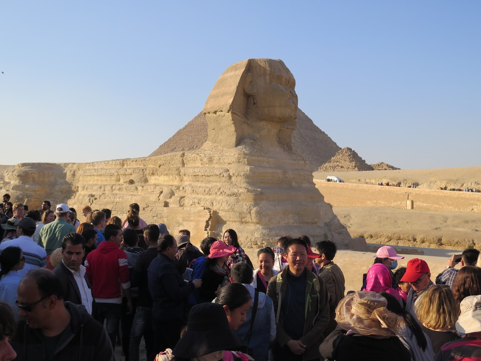 It\u0027s really difficult to show in photos how immense the Sphinx is and you have to be there to experience it. & The Holyoaks in the Holy Land: Egypt: Giza Pyramids and the Sphinx