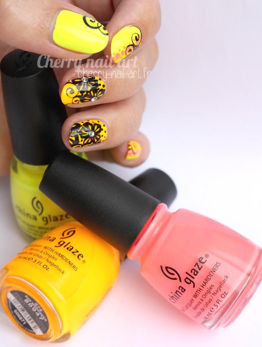 nail-art-fluo-fleur-dentelle