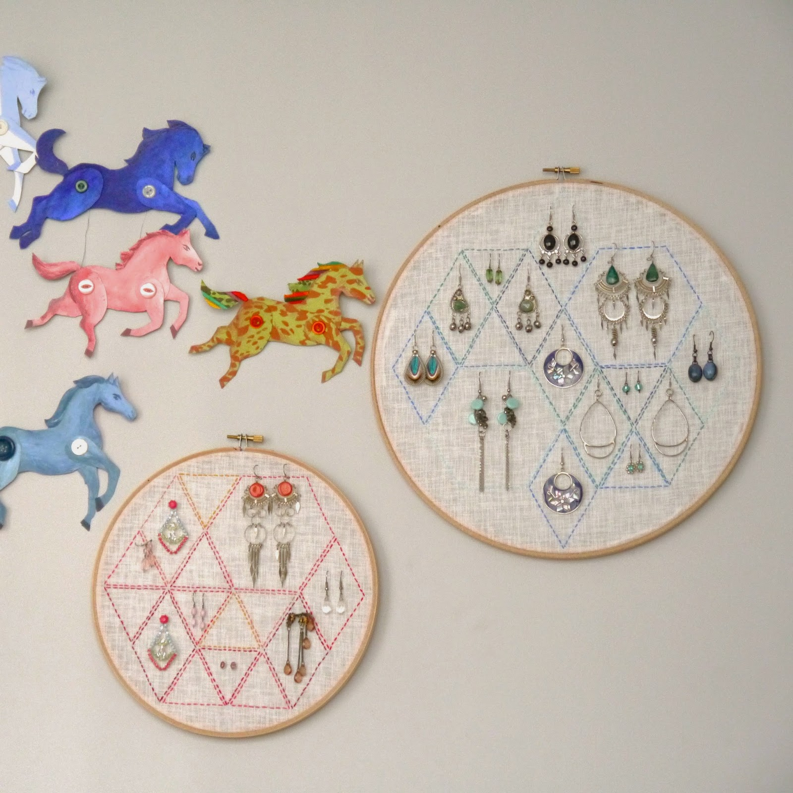 Make it // Embroidery Hoop Earring Holder part II