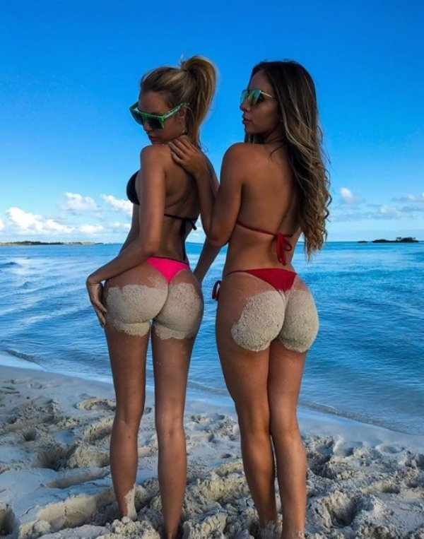 Yoga girls who love it in the butt