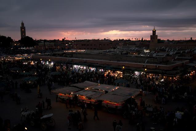 Piazza Djemaa El Fna al tramonto-Marrakech