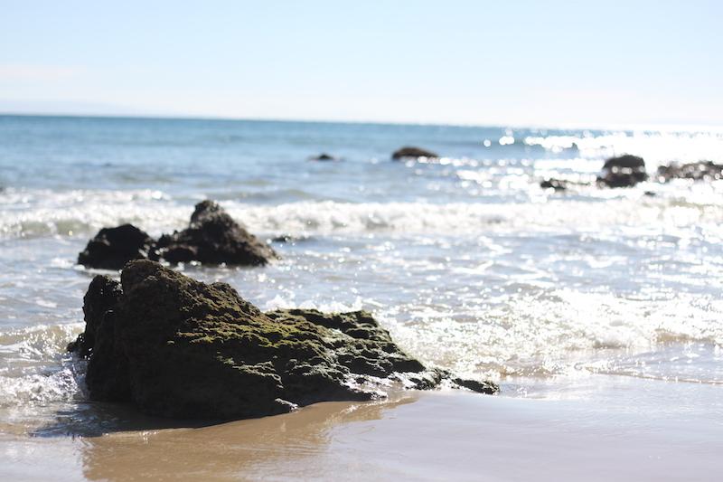 Felsen in der Brandung an der Costa de la luz