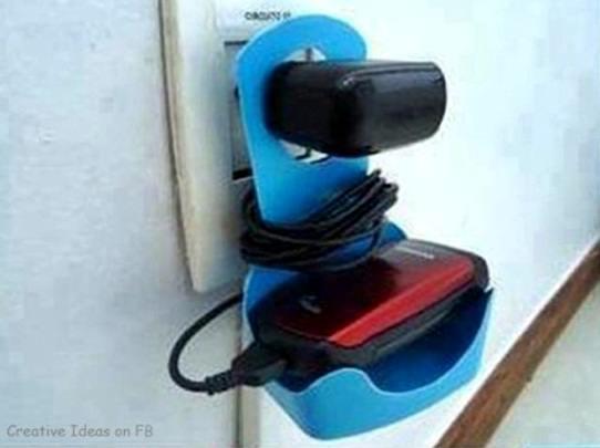 Gambar tempat charger hanphone cantik dari bekas botol sabun