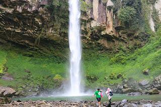 Air Terjun Putri Malu Destinasi Favorit Wisata Lampung