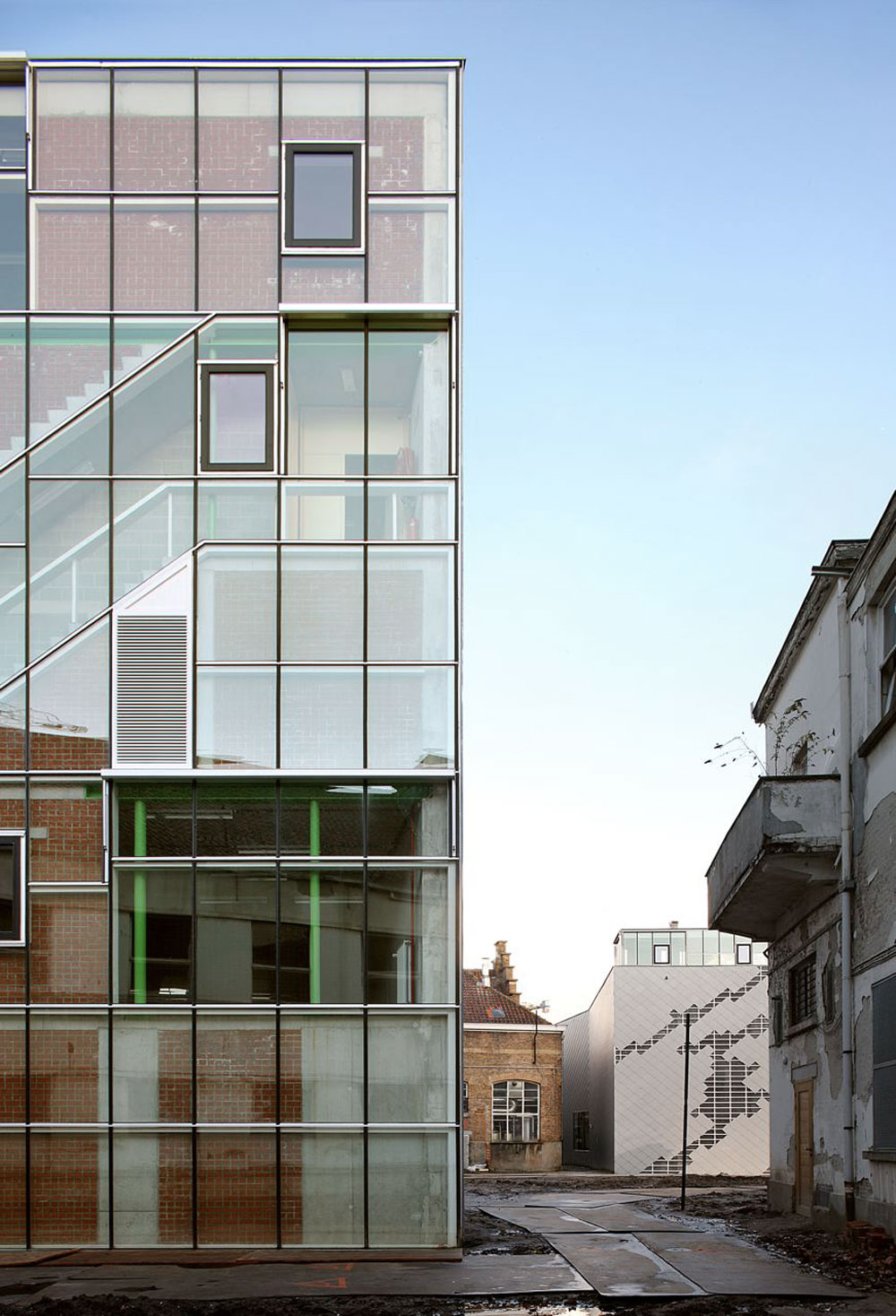 Architecten de vylder vinck taillieu a f a s i a for La b b