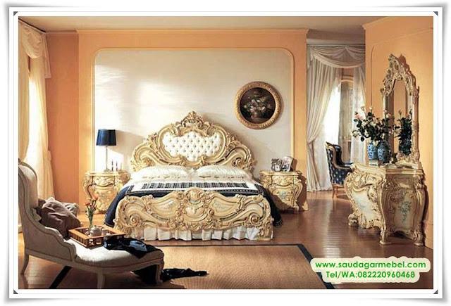 Tempat Tidur Clasik Luxurious