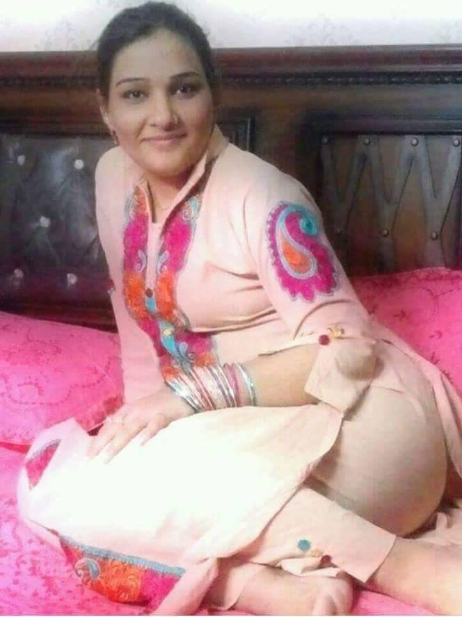 Desi Salwar Suit Girl Outdoor Videos free porn movies