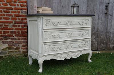 commode-ancienne-patinée-lin-blanche-vieillie