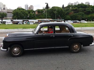 O criador do MP Lafer dirige um Mercedes-Benz, marca que lhe influenciou no projeto do LL.