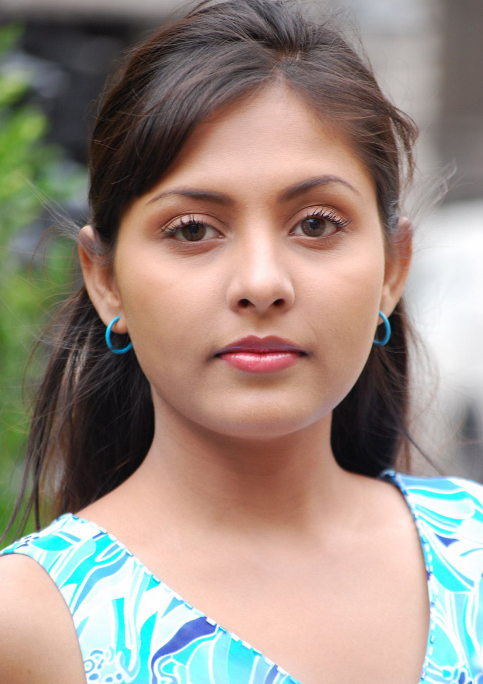 telugu actress madhu shalini - photo #34