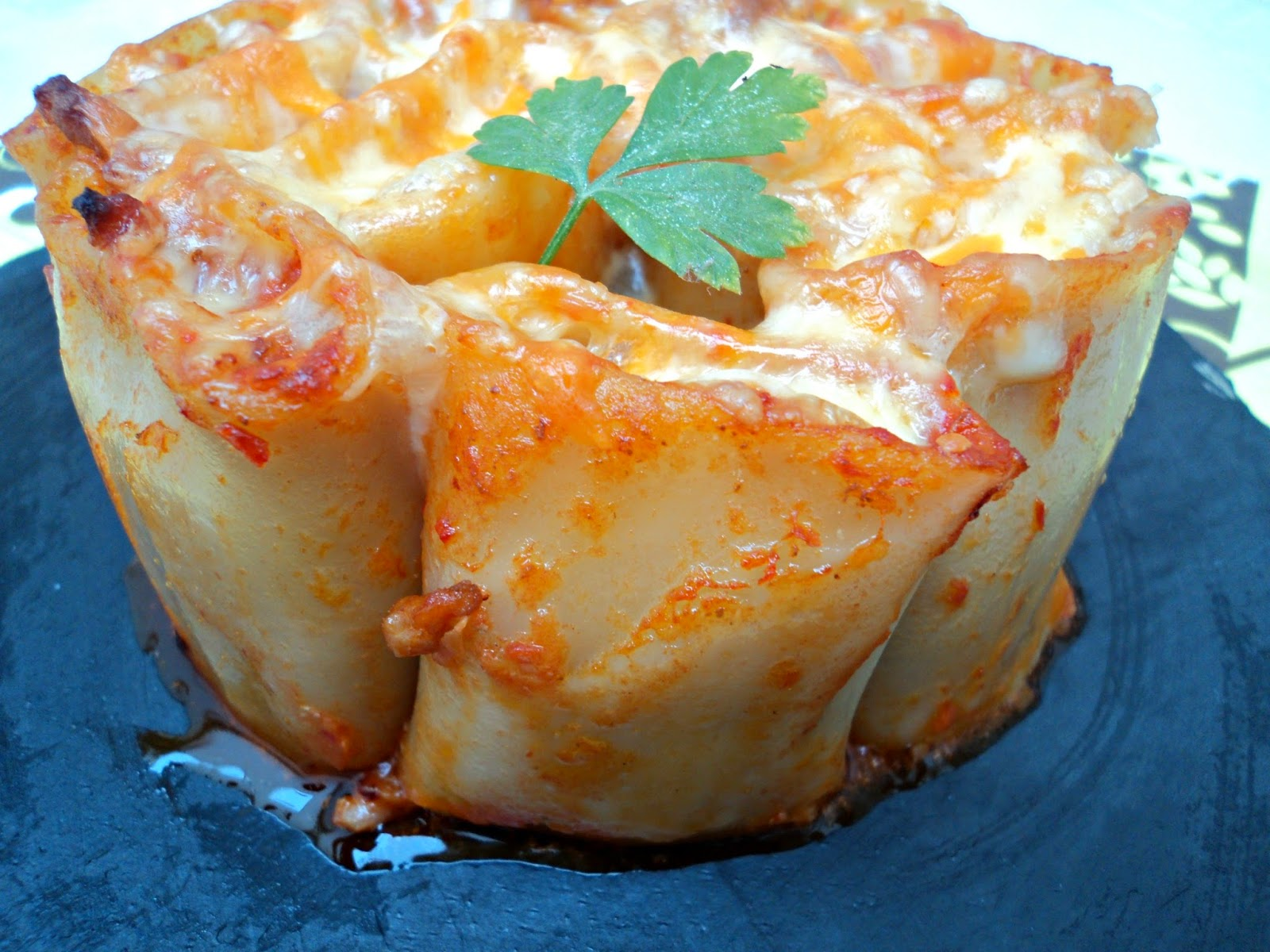 tarta-paccheri-macarrones-lado