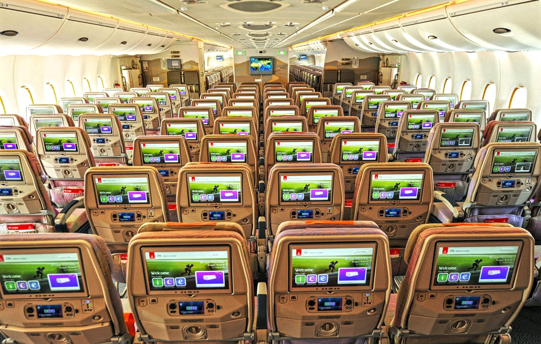 Airbus A380-800 Emirates Economy Class Seating Layout