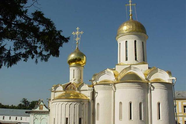 Православные святыни, куда чаще всего едут паломники и туристы