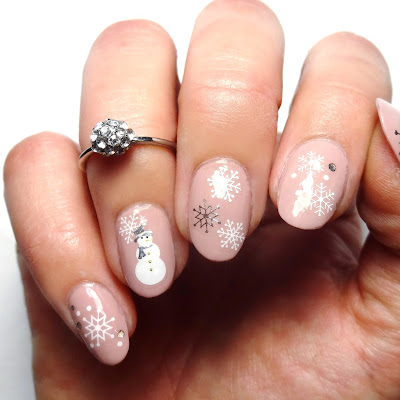 Snowflakes and Snowmen Nails
