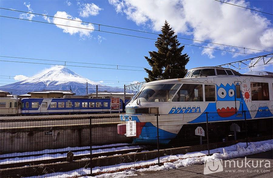 Fujikyu Railway รถไฟลายฟูจิ