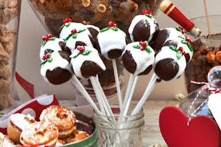 Plum pudding cake pops Recipe