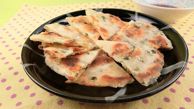台湾屋台の味!!葱油餅(ツォンヨゥピン)のレシピ