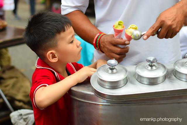 CHINATOWN PHOTOWALK 2016: Boy and his ice cream