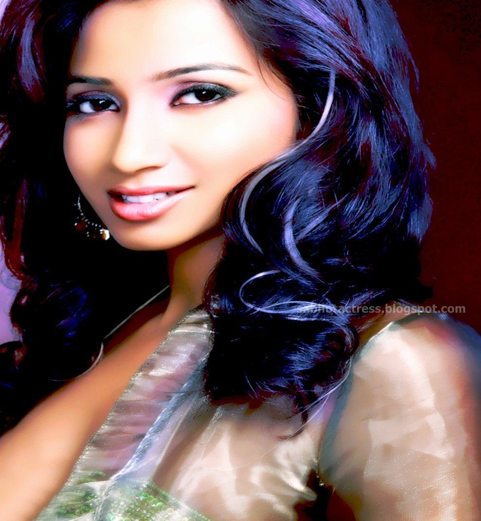 Love Malayalam Memos: Kuvaperpaiva: Shreya Ghoshal Hot Navel,Cleavage And Ampit